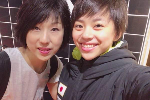 村上茉愛さんと母