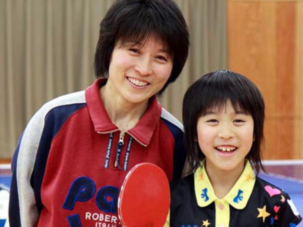 平野美宇と母親