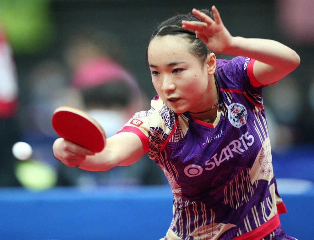 競技中の伊藤美誠さん