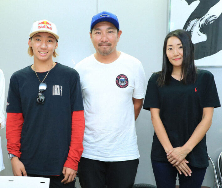 中村輪夢さんと両親