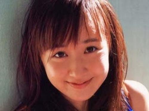 デビュー当時の山川恵里佳さん